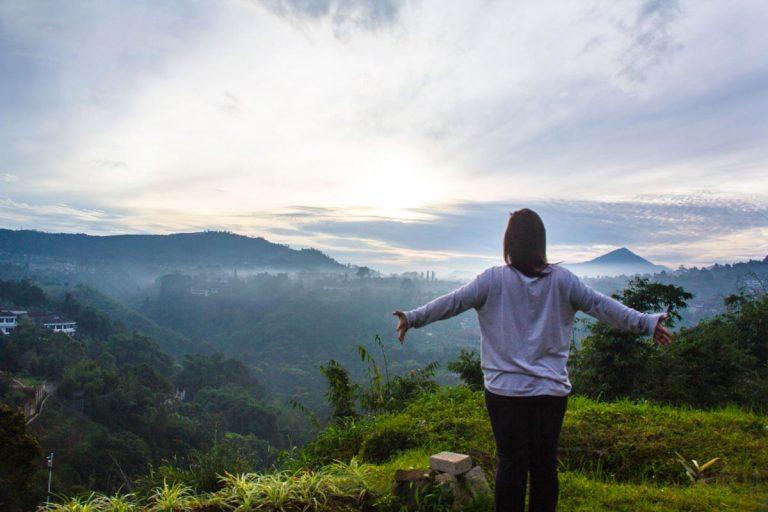 Trizara Resorts: Glamping with View in Lembang