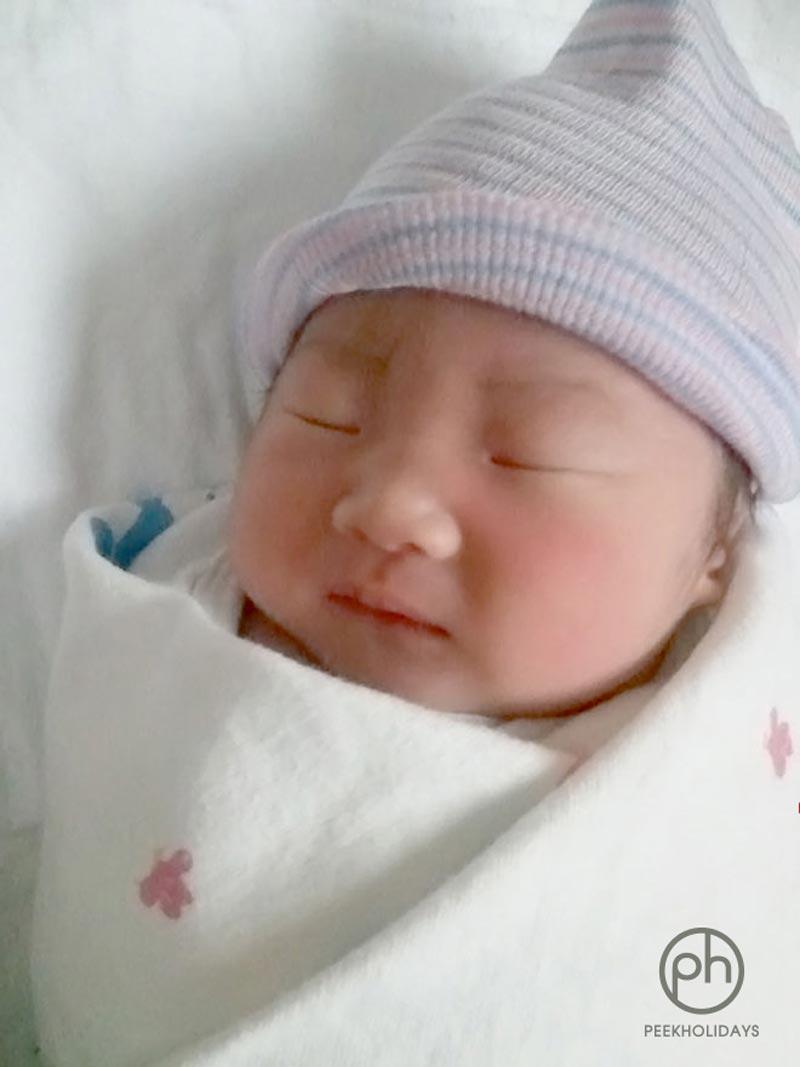 peekholidays-newborn-baby-aiden