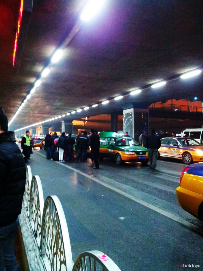 peekholidays-beijing-airport-taxi-stand-s